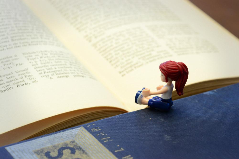 mia-reading-1